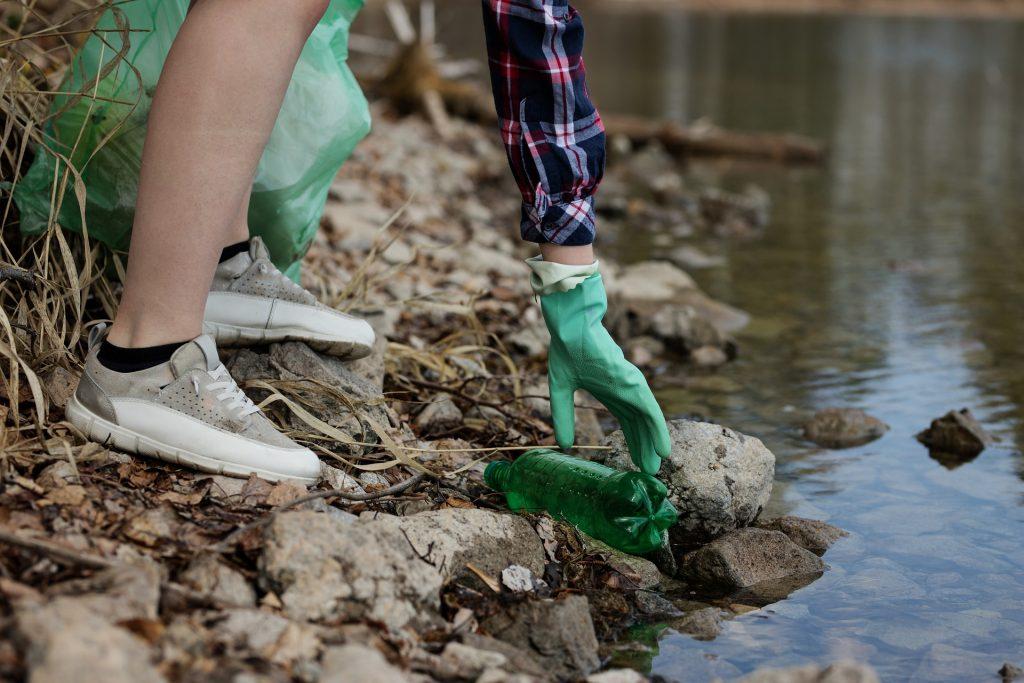 puce – dechet – nature – ramassage – ordure – riviere – ecologie – action – citoyenne